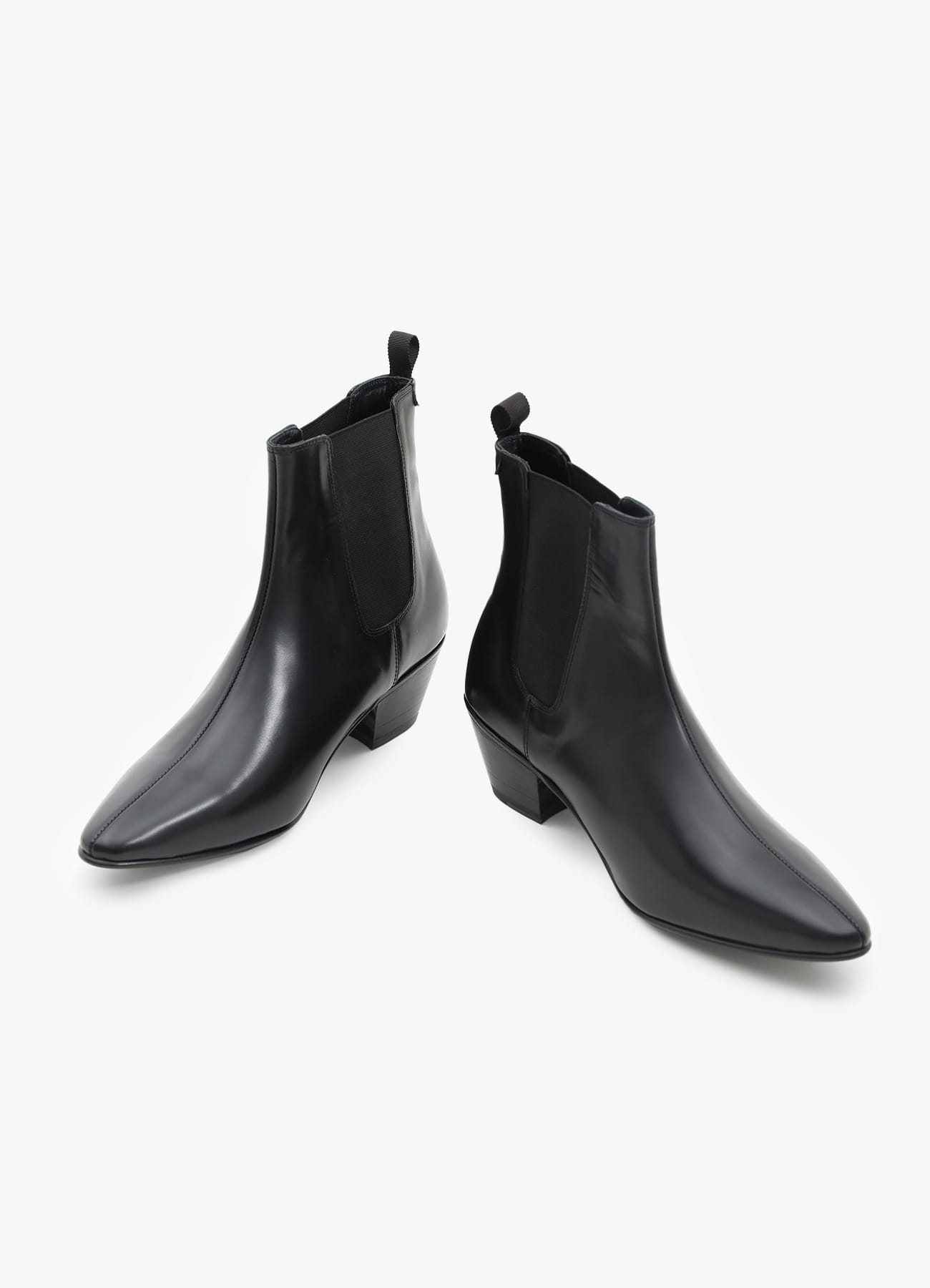 ADDOFF x BANANAFIT Collab.06 Ankle Boots - Black