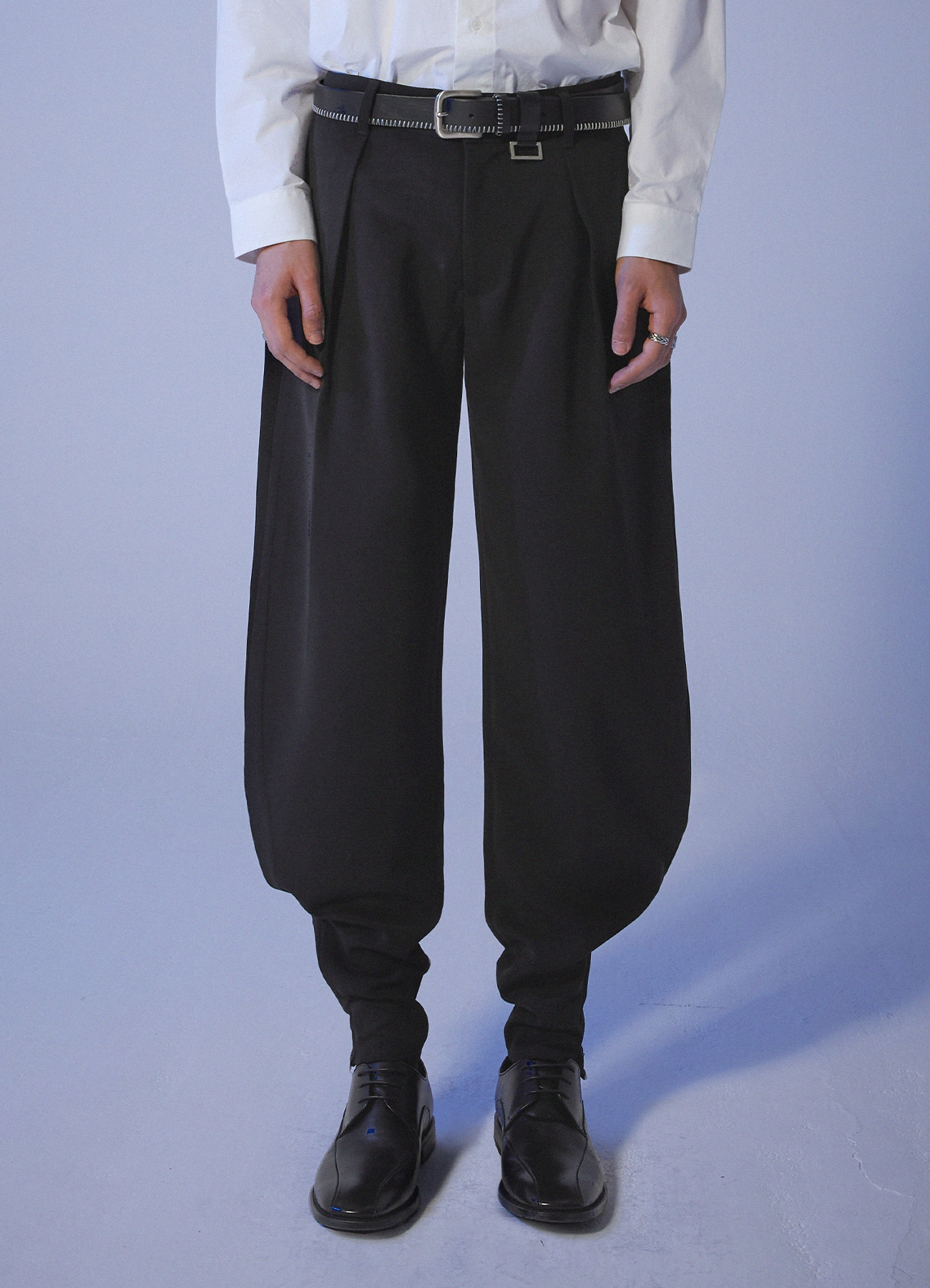 Wave Line Zipper Slacks - Black
